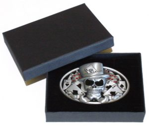 casino skull and poker belt buckle with gift box